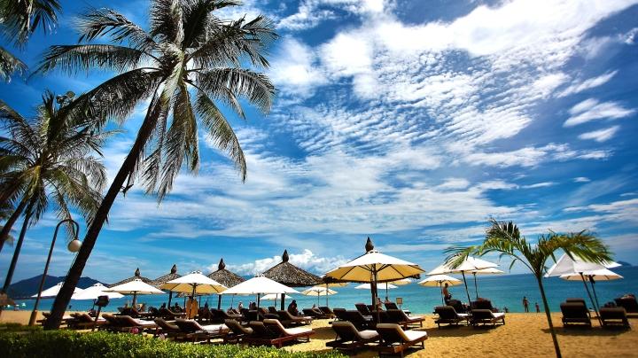 beach-beach-chairs-cloudscape-207680